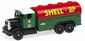 Hornby Model Railway Trains - Skale Autos R7111 Shell BPAEC Petrol Tanker