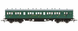 R4794 - Hornby SR 58' Maunsell Rebuilt (Ex-LSWR 48') Six Compartment Brake Composite Coach '6403' - Set 44, SR Green