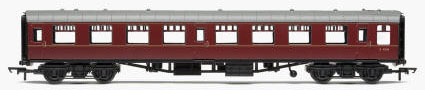 Hornby RailRoad BR Mk1 Tourist Second Open Coach (Maroon) - R4629