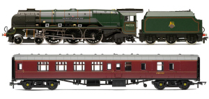 Hornby LMS 'Duchess Of Sutherland' and Support Coach Train Pack - R3221