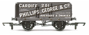 R6813 - Hornby 'Phillips, George & Co' - 7 Plank Wagon