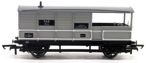 Hornby BR (ex-GWR) AA15 20 Ton Goods Brake Van 'Toad' W68571 -  R6824