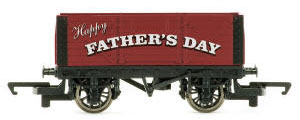 Hornby Father's Day Plank Wagon - R6878