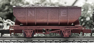 2F-034-002 Dapol N-Gauge - NE 21T Hopper (Weatherd) - N Gauge Model Railway
