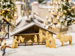 Noch - Christmas Market Crib with Figures in Wood Look - N14394