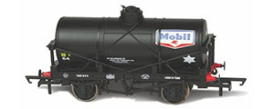 OR76TK2001 - Oxford Rail - Mobil No64 12 Ton Tank Wagon